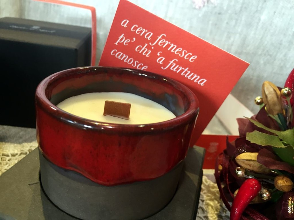 red candle from profumi di Napoli