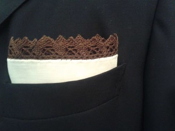 Love the detail in this pochette by Giusto Bespoke