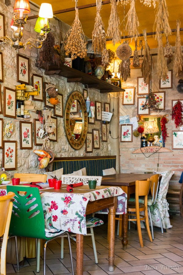 I really love Locanda di Sant'Agostino's Interior Design