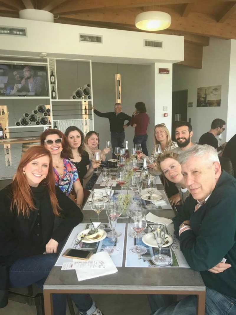 All the bloggers and jouralists of our group at the best table! Thanks Di Ruscio!