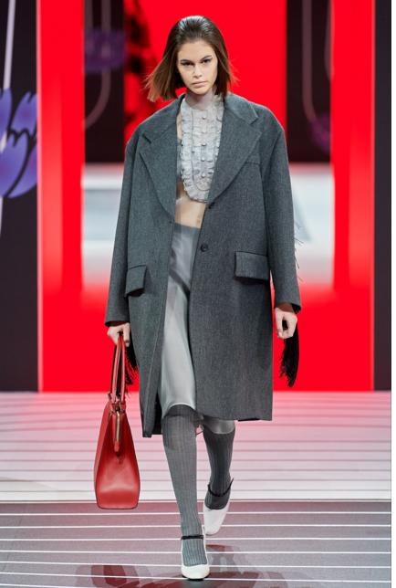 prada ruffles fashion trend